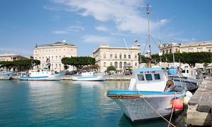 Dolci Escursioni: Gita in barca con pranzo a base di specialità siciliane fino a 6 persone con Dolci Escursioni (sconto fino a 74%)