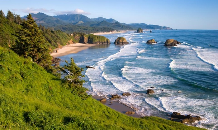 Lighthouse Inn - Cannon Beach, OR: Two-night stay for up to Four at Lighthouse Inn in Cannon Beach, OR