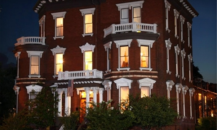 SeeSavannah Tours - Historic District - North: $9 for a Haunted Walking Tour from SeeSavannah Tours ($20 Value)