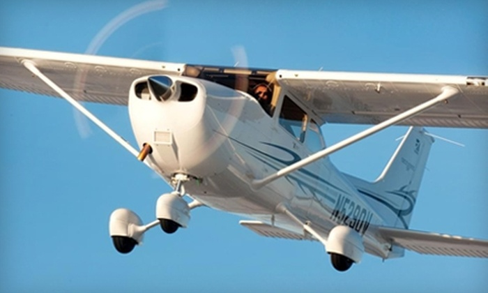 Horizon Aviation - Multiple Locations: $74 for an Introductory Flight Lesson from Horizon Aviation ($199.90 Value)