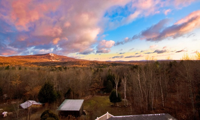 null - Albany / Capital Region: Stay at Bromley View Inn in Green Mountains, VT. Dates Available into January.