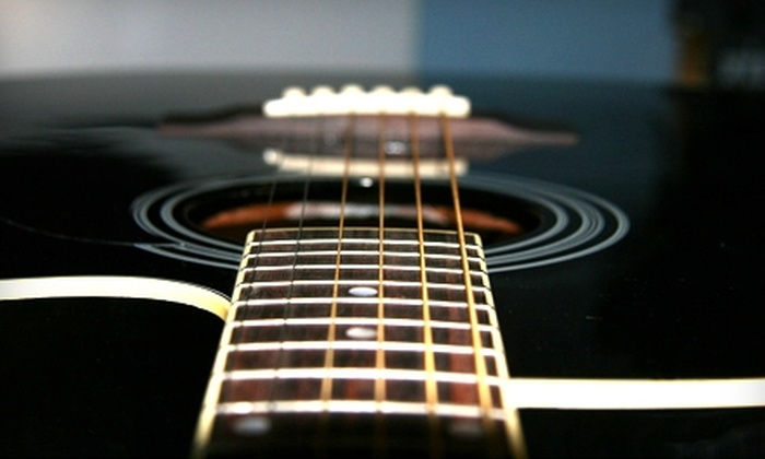 Guitars United - Mandarin: $25 for Three 30-Minute Guitar or Bass Lessons at Guitars United ($75 Value)