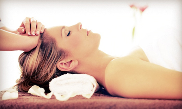 Minellis Massage Essence - The Market At Town Center: One or Three Skinny Massages at Minellis Massage Essence in Sugarland (Up to 59% Off)