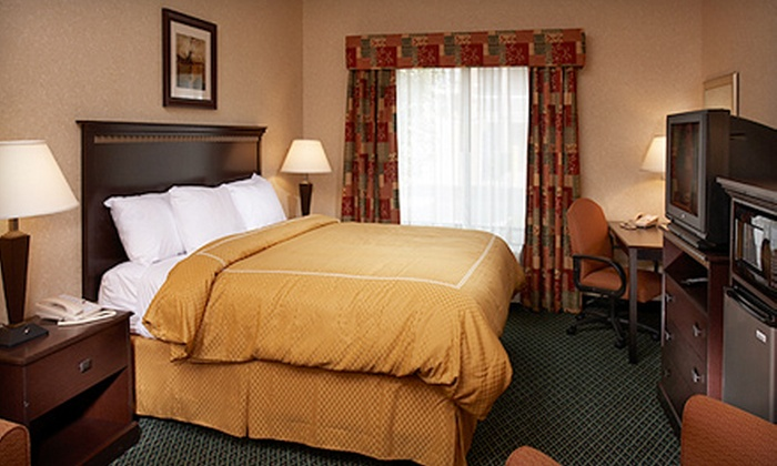 Comfort Suites - Canton: $59 for One-Night Hotel Package at Comfort Suites in Canton (Up to $119 Value)