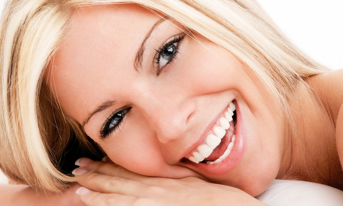 Pearly Whites Express - Beverly: $29 for a 45-Minute Teeth-Whitening Treatment at Pearly Whites Express. Three Locations Available. ($139 Value)