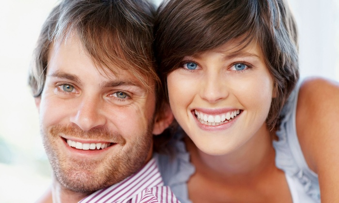 Smiles Are Us Dental Group - Bartlett: $59 for Xtreme Teeth Whitening, Dental Exam, and Goodie Bag at Smiles Are Us Dental Group ($214 Value)