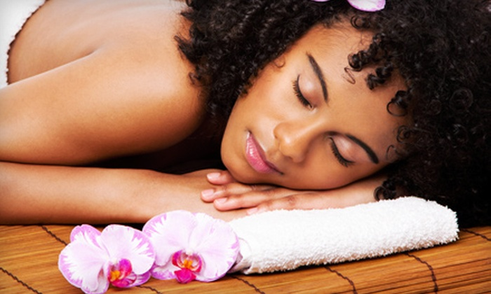 Complete Wellness - Upper East Side: $29 for a 60-Minute Massage Package with Chiropractic Consultation at Complete Wellness (Up to $460 Value)