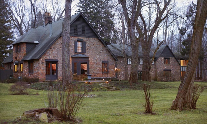 Creekwood Inn - Northeast Gary: One-Night Stay for Two with Breakfast, Chocolates, and Champagne at Creekwood Inn in Michigan City, IN