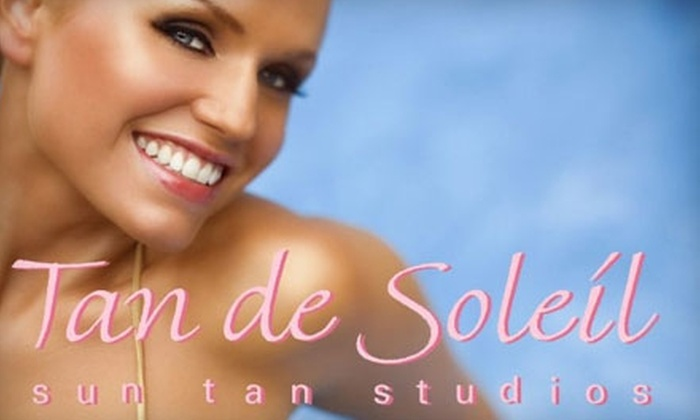 Tan de Soleil - Arbour Lake: $19 for 150 Minutes of UV Tanning or Two Spray-Tan Sessions at Tan de Soleil (Up to $68 Value)