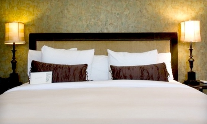 Mount View Hotel & Spa - Calistoga: $187 for a One-Night Stay, Wine Tastings for Two, and More at Mount View Hotel & Spa in Calistoga (Up to $374 Value)