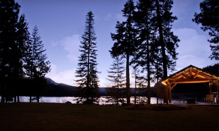 The Lodge At Suttle Lake - Grandview: Two-Night Stay for Up to Four at The Lodge at Suttle Lake in Oregon