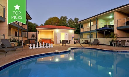 Kalbarri: Up to 4 Nights or 4 People with Wine, Restaurant Discount and Late CheckOut at Kalbarri Edge Resort