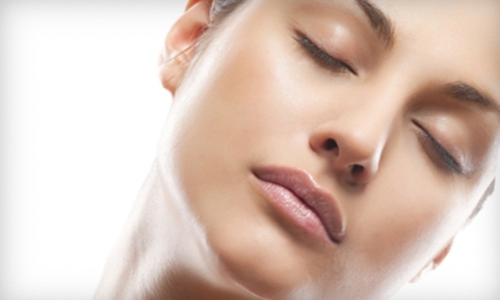 Luxury Salon and Spa - Fisher's Landing East: $35 for 30-Minute LED Light-Therapy Facial at Luxury Salon and Spa in Vancouver ($70 Value)
