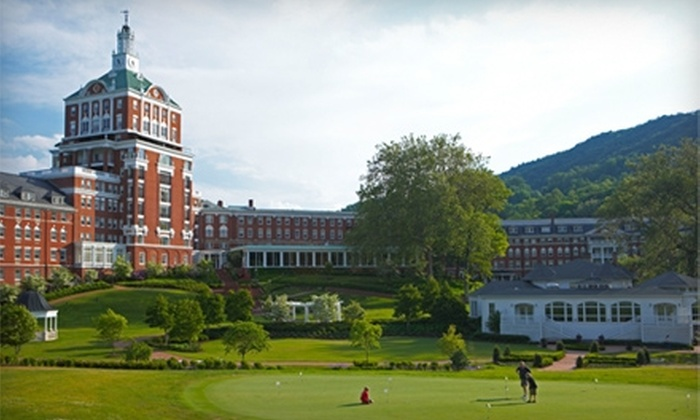 The Homestead - Cedar Creek: $175 for Play Away Golf and Resort Package at The Homestead in Hot Springs (Up to $350 Value)