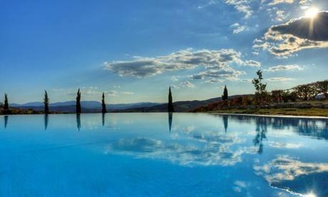 Casole d'Elsa: 1 o 2 notti con colazione, cena opzionale, Spa e massaggio per 2 presso Aquaviva Hotel & Spa