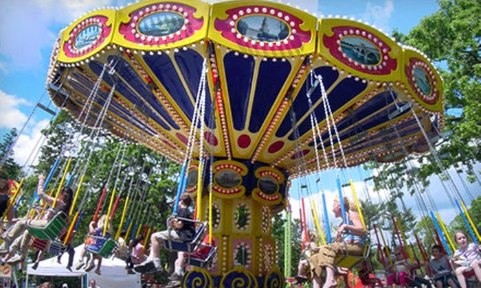 Como Town - Como: $26 for Unlimited-Ride Wristbands, Water Wars Games, and Face Painting for Two at Como Town in St. Paul (Up to $52 Value)
