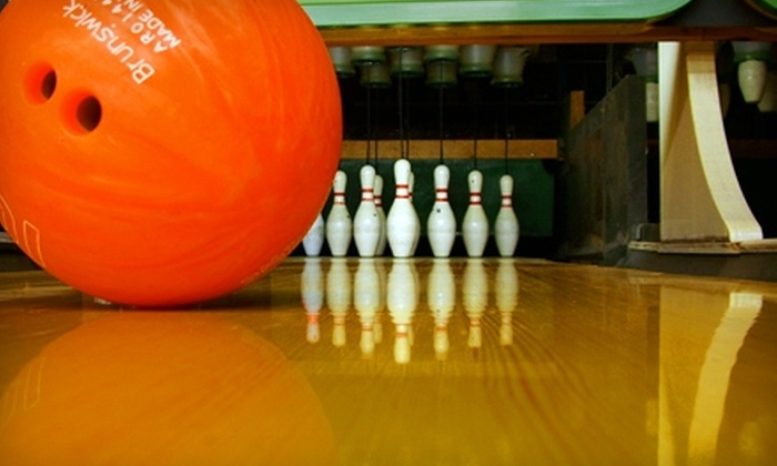 Aloma Bowling Centers - Multiple Locations: $9 for Two Games of Bowling, Shoe Rental, and a Pizza at Aloma Bowling Centers ($18.24 Value)