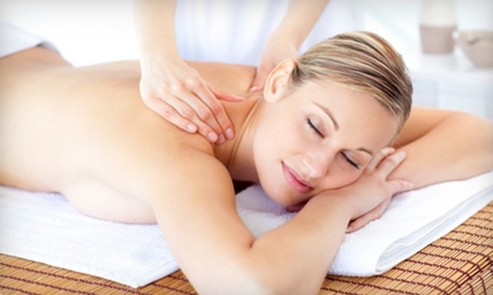 Absolute Wellness Spa - Downtown West Palm Beach: $37 for a One-Hour Swedish Massage ($75 Value) or $42 for a Custom Deep Pore-Cleansing Facial ($85 Value) at Absolute Wellness Spa