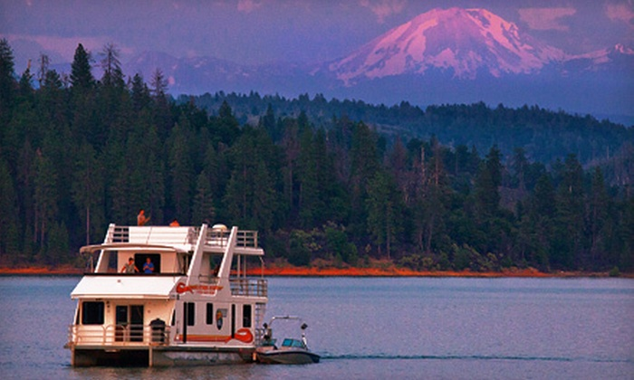 Silverthorn Resort - Bella Vista: Four- or Seven-Night Stay in Queen I Houseboat on Shasta Lake from Silverthorn Resort in Redding (Half Off)