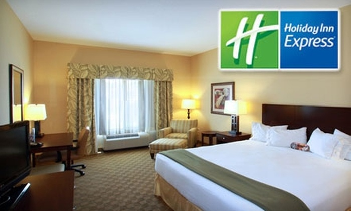 Holiday Inn Express & Suites Tampa  - Northeast Tampa: $59 for a King Room at Holiday Inn Express & Suites Tampa (Up to $119 Value)