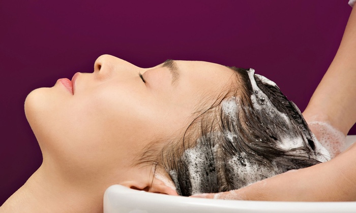 Dubally Hair & Scalp - Los Angeles: $64 for an Itchy-Scalp and Dandruff Treatment at Dubally Hair & Scalp ($200 Value)