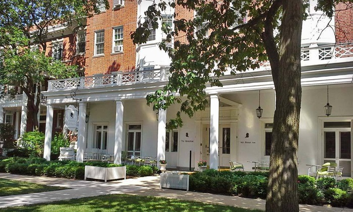 The Homestead - Evanston, IL: $129 for a One-Night Stay with a Bottle of Champagne at The Homestead in Greater Chicago