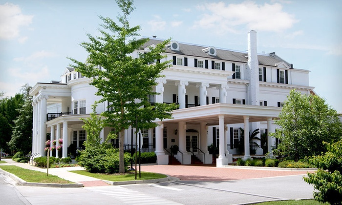 Historic Boone Tavern Hotel - Berea: One- or Two-Night Stay at Historic Boone Tavern Hotel & Restaurant in Berea, KY
