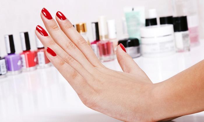 BLUSH CARAMEL - Ondres: Beauté des mains avec une pose de vernis semi-permanent à 19,90 € chez Blush Caramel