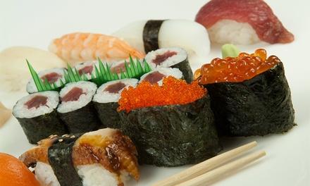 Japonés para 2 o 4 con bandeja de 32 o 64 piezas de sushi, entrantes, bebida y postre desde 24,95 €