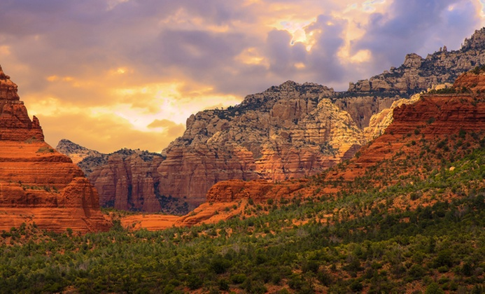 Sedona Hotel with Views of Red-Rock Canyons