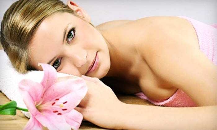 Super Spa Girl - South Greensburg: $35 for a 60-Minute Swedish or Hot-Stone Massage with a Cranberry or Pumpkin Foot Scrub at Super Spa Girl ($75 Value)