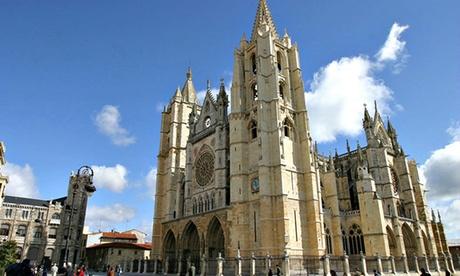 León: 1 o 2 noches para 2 con desayuno y late check-out en Hotel Abad San Antonio 4*