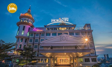 Horison Ultima Kings Batam: 2D1N Stay for 1 Person with Shopping Tour and Breakfast