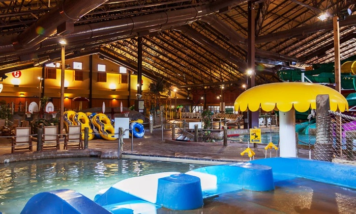 Fox Ridge Resort, A Red Jacket Resort - North Conway, NH: Stay at Fox Ridge Resort, A Red Jacket Resort in North Conway, NH. Dates Available into October.