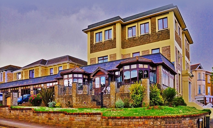 Isle of Wight: 2, 3 and 4 Nights for Two with Breakfast, 3-Course Dinner and Return Car Ferry at The Wight Bay Hotel