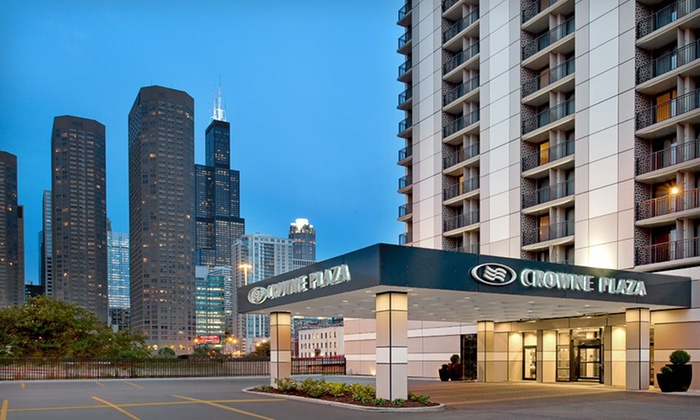 Crowne Plaza Chicago Metro - Near West Side: One-Night Stay with Valet Parking at Crowne Plaza Chicago Metro