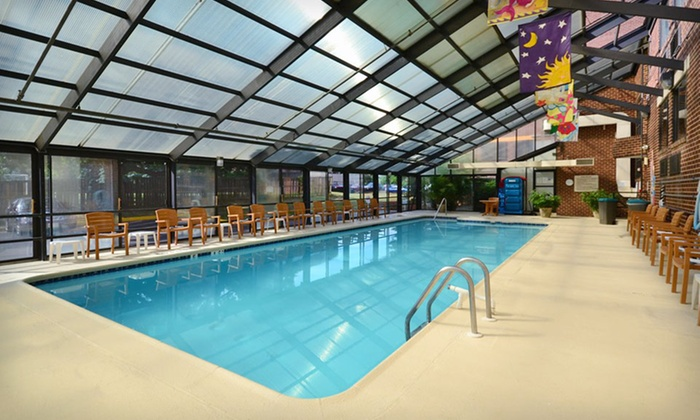 null - Washington DC: Stay at Comfort Inn University Center in Fairfax, VA