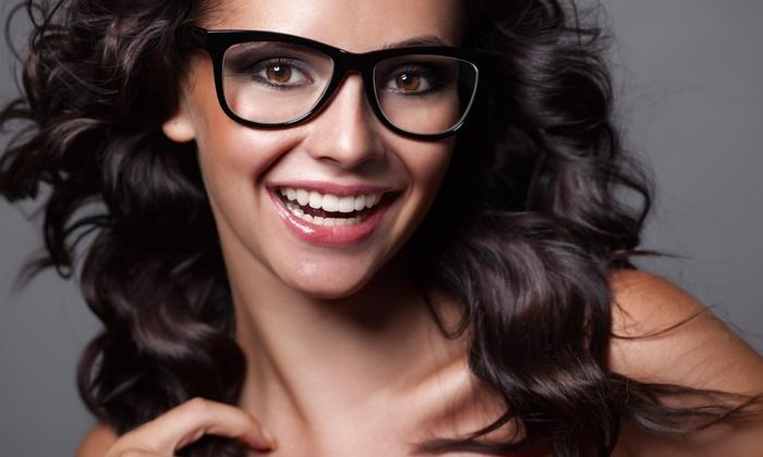Occhiali da vista con lenti monofocali o progressive o buono sconto fino a 250 € (fino a 93% di sconto).Valido in 3 sedi