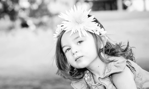 Ravanelli Photography: 60-Minute Photo Shoot with Four or Six Prints from Ravanelli Photography (Up to 85% Off)