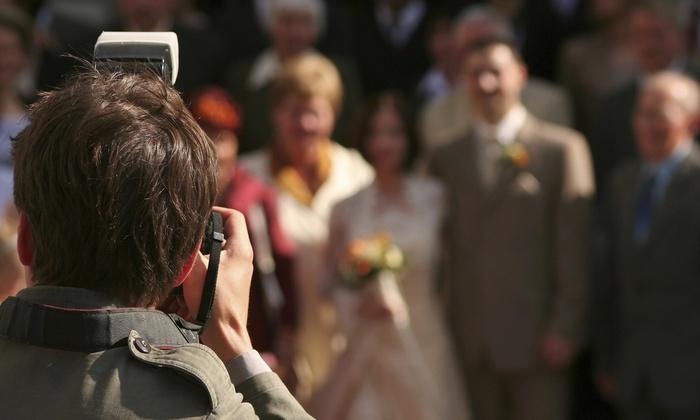 Popupfotos - Chillum: 180-Minute Wedding Photography Package from Popupfotos (70% Off)
