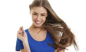 Salone Niki Di Wenz Nicoletta: Shampoo, taglio, piega e fino a 3 trattamenti a scelta per donna da Salone Niki (sconto 75%)