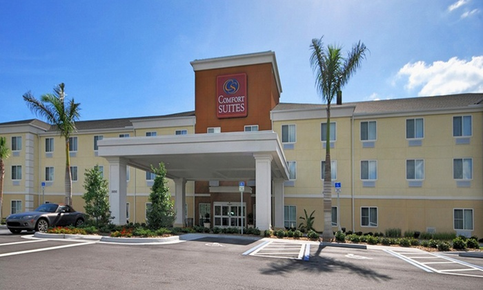 null - Tampa Bay Area: Stay at Comfort Suites Sarasota in Florida, With Dates Into February