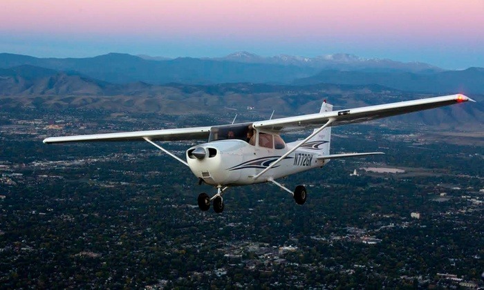 Aspen Flying Club - Cenntennial: $299 for Flight Package with Discovery Flight and Aviation 101 Program at Aspen Flying Club ($499Value)