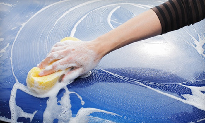 Magic Bubbles - Palm Beach: Full Mobile Detail for a Car or SUV from Magic Bubbles (55% Off)