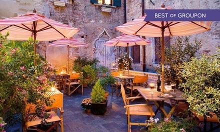 Venezia: Casa Martini, 1 notte in camera Superior con colazione o in più una cena in opzione per 2 persone