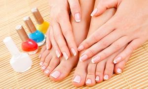 Centro Estetico Sesel: 3 manicure, 3 pedicure e 3 scrub (sconto 83%)