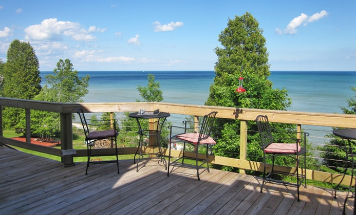 2-Night Stay at Lakefront Wisconsin B&B with Themed Rooms