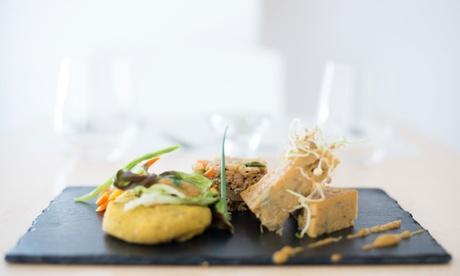 Cocina vegana y 100% ecológica para 2 con aperitivo, entrante, principal, postre y bebida desde 29,90 € en Miobio