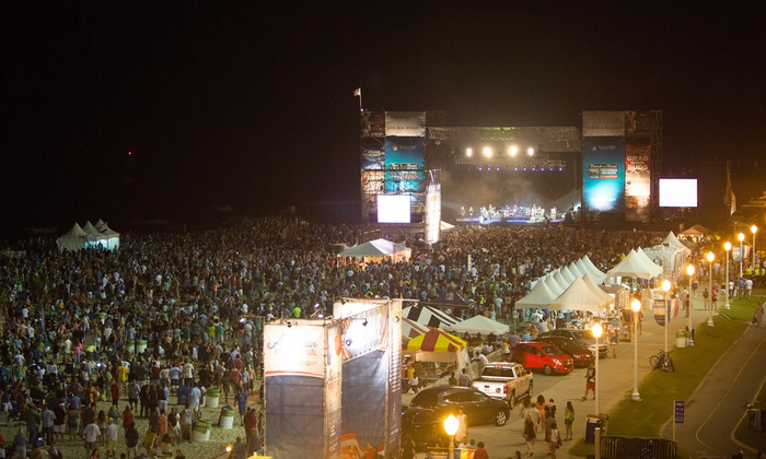 American Music Festival - 5th Street Beach Stage: American Music Festival ft. Steve Miller, Sheryl Crow, & Rebelution at 5th Street Beach on 9/4–6 (Up to 39% Off)
