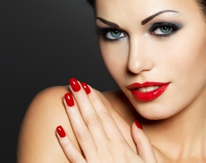Vinni's Salon and Spa: $12 Off No-Chip Manicure at Vinni's Salon and Spa